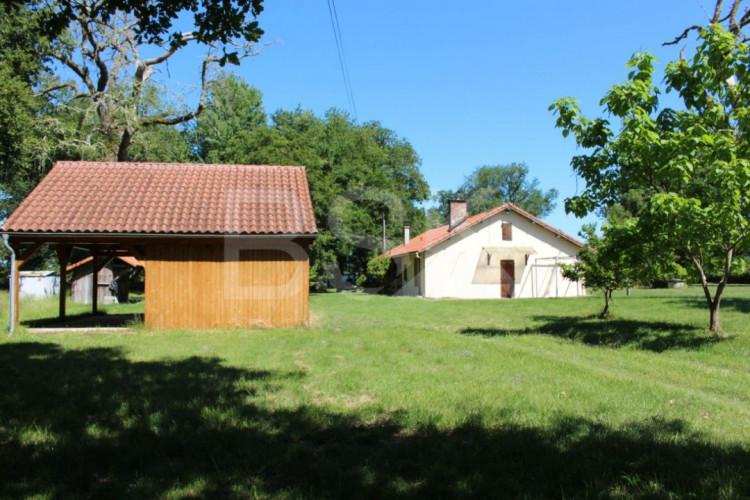 Maison à la campagne, au coeur de la forêt landaise
