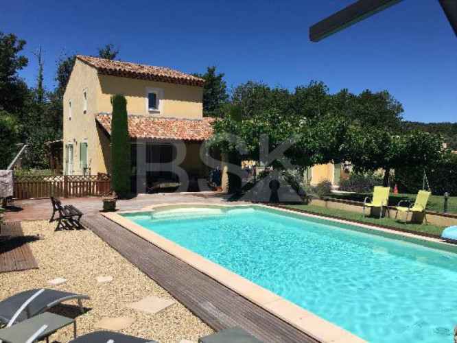 BASTIDE PROVENCALE SPACIEUSE CONSTRUCTION ANNEE 2000