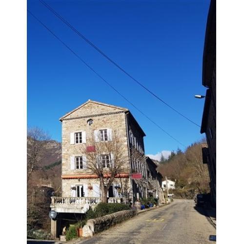 Vends Hôtel Restaurant dans un des plus beaux villages d'Ard