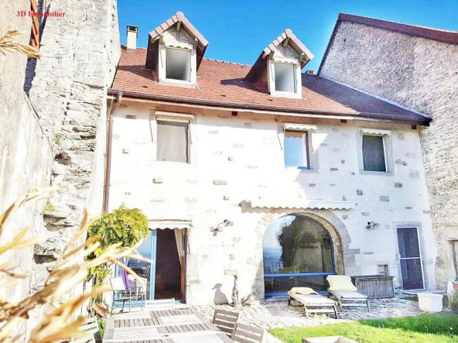 Secteur LONS LE SAUNIER(39000), à vendre chambres d'hôtes village touristique JURA 1er plateau