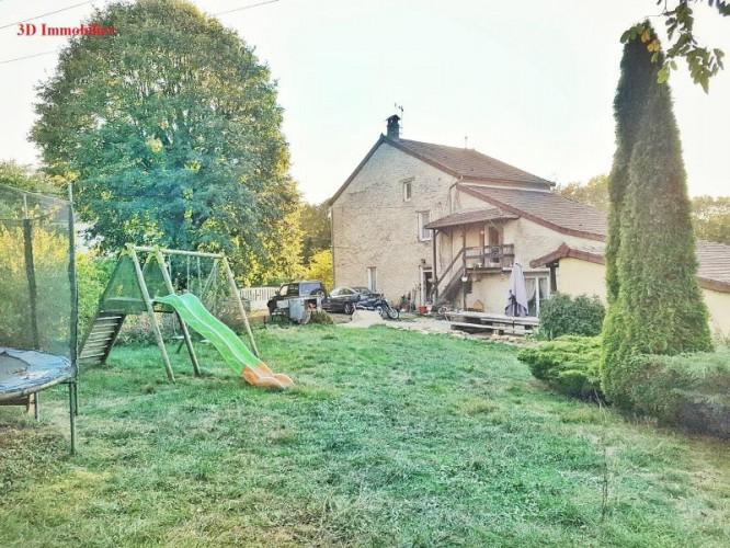LONS LE SAUNIER, à vendre Maison en pierre, chambres d'hôtes sur le premier plateau du Jura