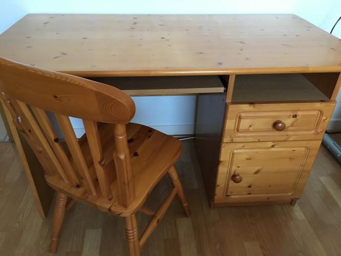 Bureau + chaise + étagère en pin Sauthon