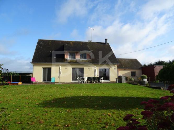 Grande maison à 10 min de St Hilaire du Harcouët sur terrain de 8 190 m²