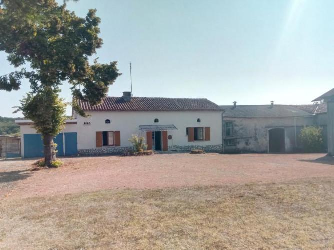Secteur Verteillac, maison 110m² terrain et dépendances