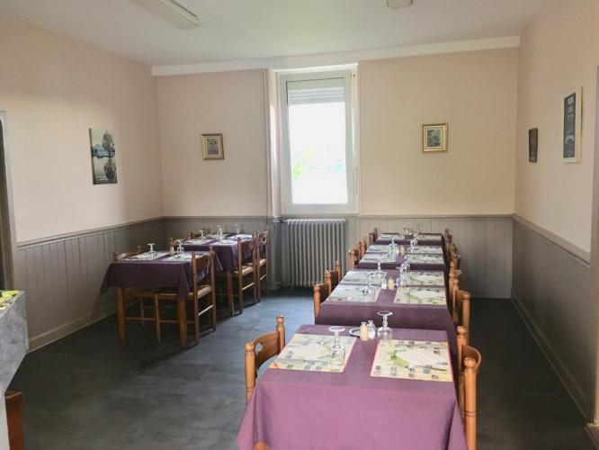 Restaurant ouvrier réputé - Petite ville touristique !