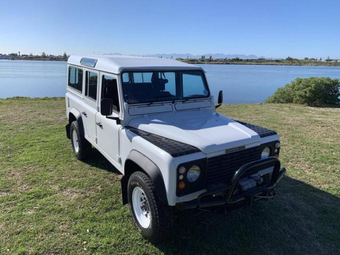Land Rover Defender 1990