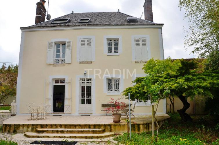 Maison 5 ch 300 m² proche Gien