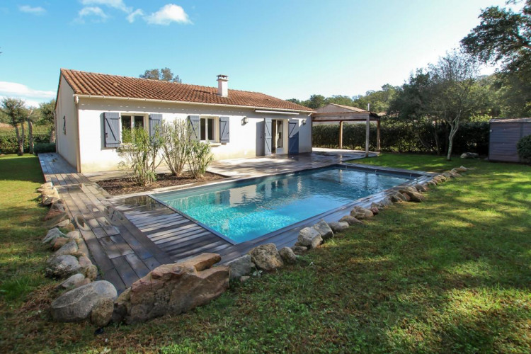 Villa de type T5 avec piscine