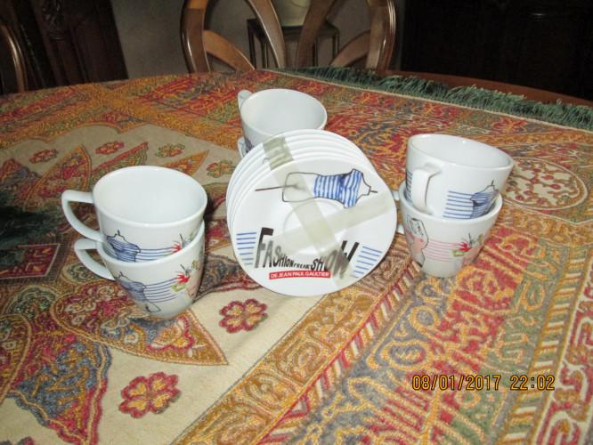 6 tasses et sous-tasses Jean-Paul Gaultier